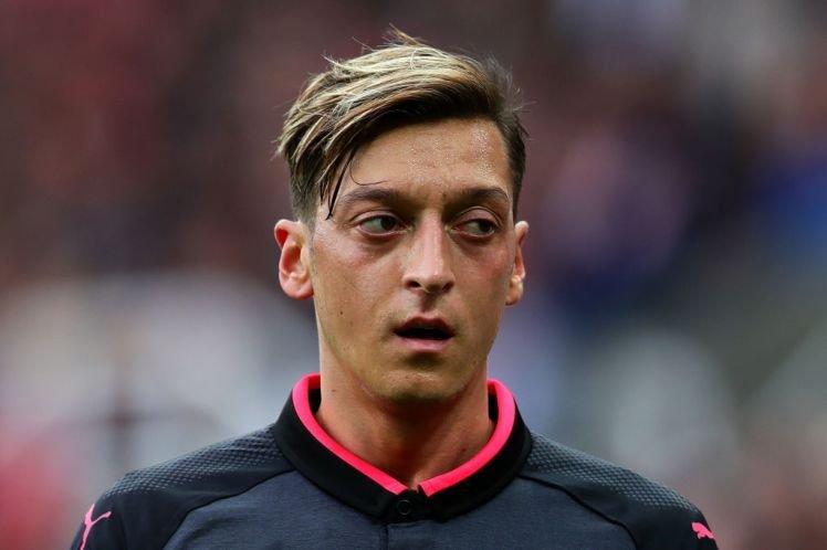 Ozil renuncia a la selección alemana por «racismo y falta de respeto»