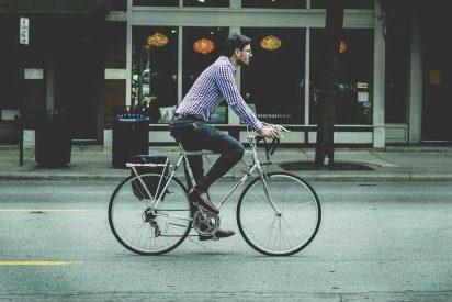 Bicicleta: los mejores trucos si eres de los que van pedaleando a todas partes