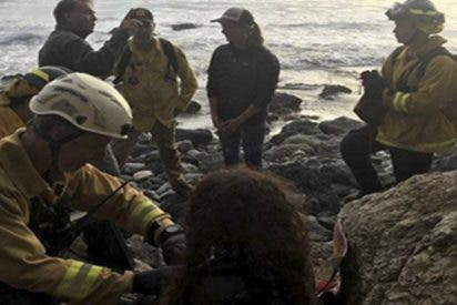 Una mujer se estrella desde un acantilado y sobrevive durante 7 días gracias al agua de su coche