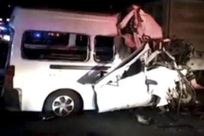 Este terrible accidente de carretera deja 13 muertos y ocho heridos en México