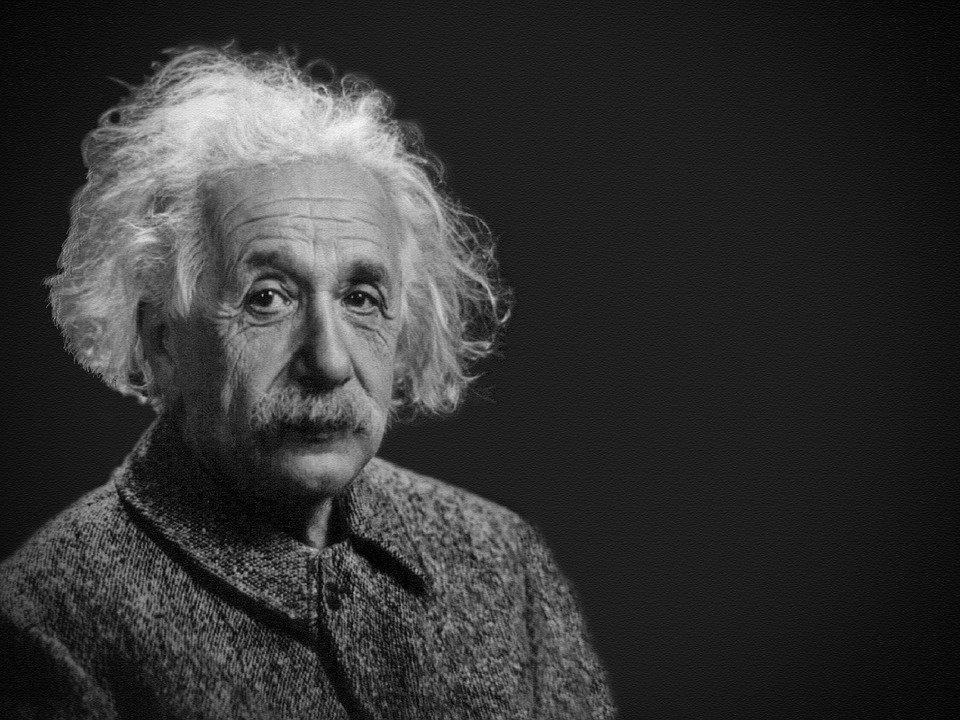 ¿Sabías que si usas un avatar de Albert Einstein ya te vuelves más inteligente?