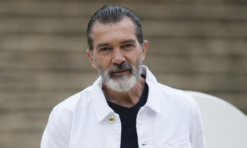 """Antonio Banderas deja en ridículo a 'Mujer Hoy': """"Así no vamos a ganar el Pulitzer"""""""