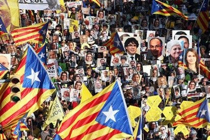 Unos 100.000 independentistas piden la libertad de los políticos presos en Barcelona