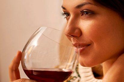 Descubren que el té verde y el vino tinto pueden servir para tratar enfermedades metabólicas