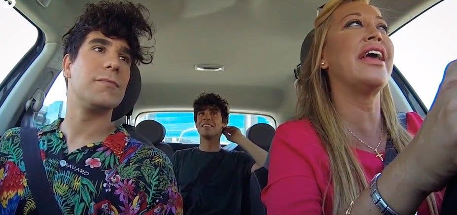 Belén Esteban y los Javis se topan con un control de la policía en la grabación de su nueva sección