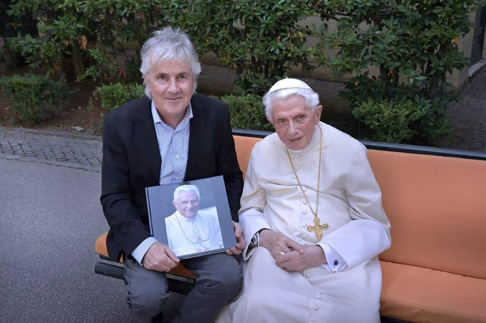 Salen a la luz las fotos más recientes de Benedicto XVI