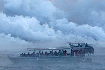 Esta bomba de lava deja al menos 23 heridos en un barco con turistas