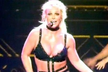El arriesgado vestuario de Britney Spears le juega una mala pasada