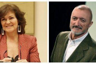 Arturo Pérez-Reverte estalla ante el último despropósito lingüístico de Carmen Calvo y amenaza con dejar la RAE