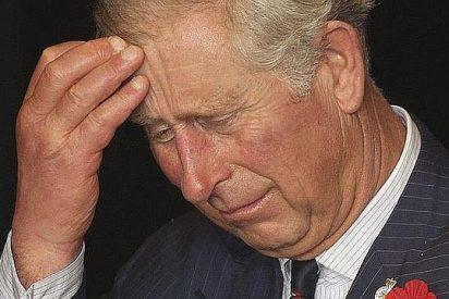 Carlos de Inglaterra niega haber influido en la investigación sobre el obispo pederasta