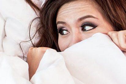 Esta británica se despierta y halla dentro de su cama a una peligrosa 'vecina'