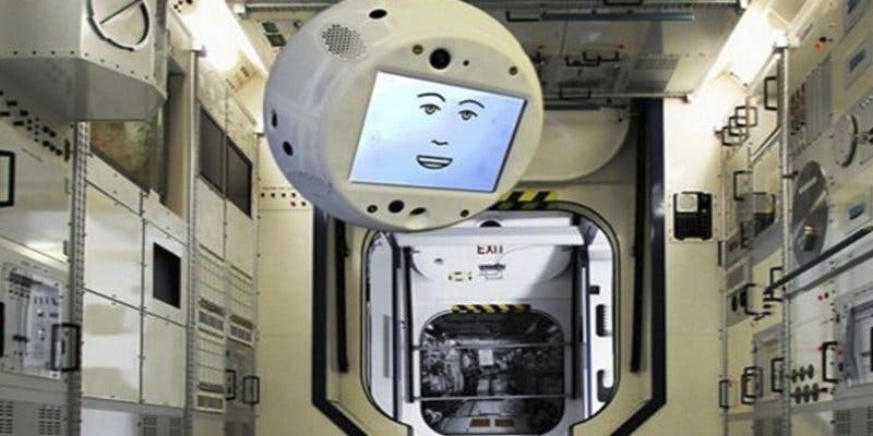 Así es CIMON, el primer asistente espacial con IA, que hará su servicio en la Estación Espacial Internacional