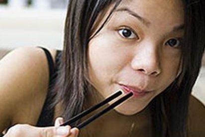 La 'venganza' de un cangrejo al que una joven china quería comer vivo
