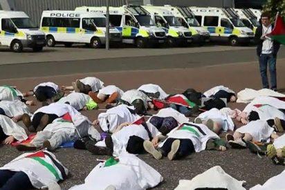 Dos activistas arrestados en una protesta contra una feria de armas en Reino Unido