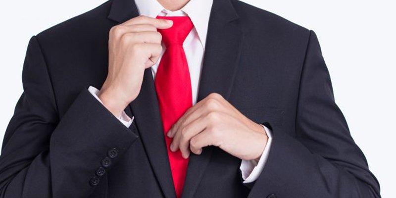 Si te preocupa tu cerebro, quizá deberías dejar de usar corbata