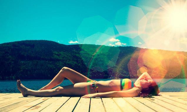 ¿Cómo evitar las manchas en la piel este verano?