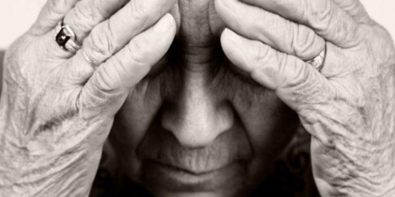 Usar un audífono puede mitigar el riesgo de padecer demencia