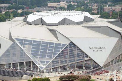 Los Atlanta Falcons 'descubren' el increíble techo retráctil de su estadio Mercedes-Benz