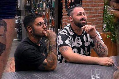 Los tatuajes de estos dos solteros de 'First Dates' de los que todos hablan