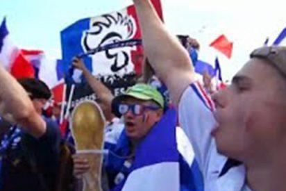 Así celebran en París la victoria sobre Argentina