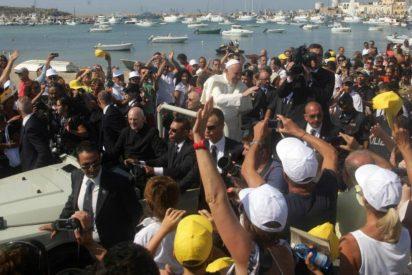 Francisco celebra este viernes una misa en San Pedro por los migrantes muertos en el Mediterráneo
