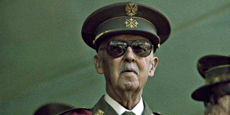 El manifiesto de 181 altos mandos del Ejército en la reserva defendiendo a Franco, 'soldado de España'