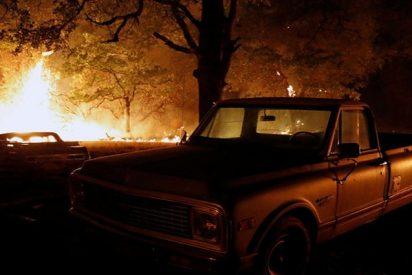 Graban este 'tornado de fuego' generado por incendios forestales en California