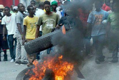 Un muerto durante las protestas contra el aumento del precio del combustible en Haití