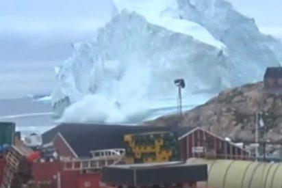 Este enorme iceberg pone en riesgo de tsunamis a una pequeña aldea de Groenlandia
