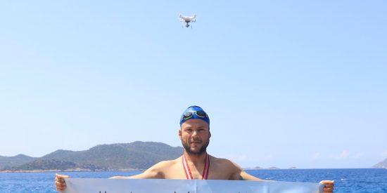 Nacho Dean, el aventurero español que unirá a nado los cinco continentes