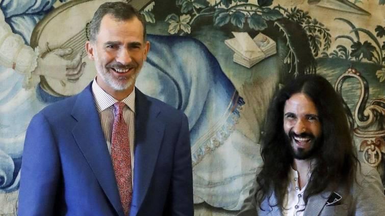 La cochinada al rey Felipe VI de un fachoso presidente podemita del Parlamento balear