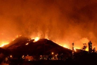 Este terrible incendio forestal provocó evacuaciones en California