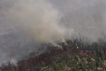 Ordenan la evacuación de 12.000 personas por incendios forestales en California