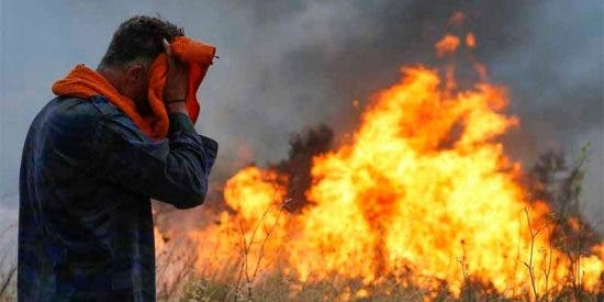 """Incendios en Grecia: """"Es gasolina, está confirmado"""""""
