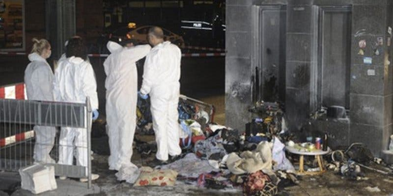 Prenden fuego a dos indigentes en una estación de Berlín