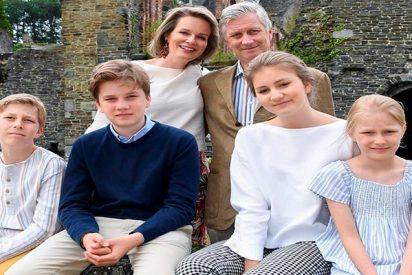 La princesa Elisabeth de Bélgica es el centro de atención en sus vacaciones en familia