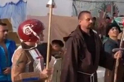 Reaparece el #LordNaziRuso actuando en una obra de teatro desde la cárcel