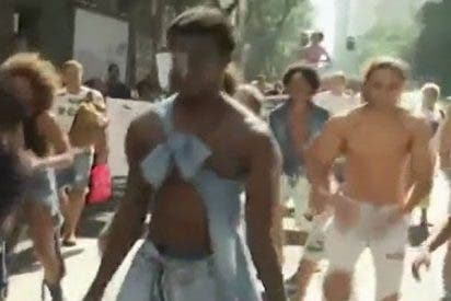 Así marchan los brasileños por las víctimas de una carga policial contra niños en 1993