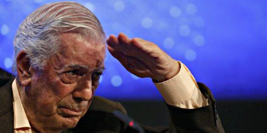 """Mario Vargas Llosa ve """"vocación suicida"""" en la victoria del peronismo en Argentina"""