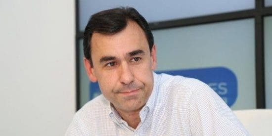 Pablo Casado rescata a Maíllo y le da un puesto en la dirección del grupo parlamentario