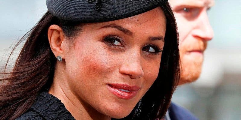Meghan Markle debe esperar a que se vaya a la cama la reina Isabel para poder hacerlo ella