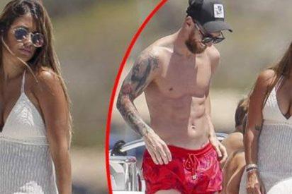 Messi y Antonella Roccuzzo presumen de cuerpazos en Ibiza