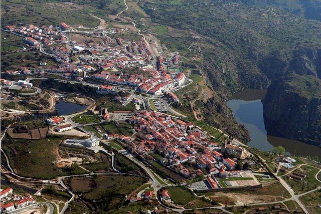 """Francisco Iglesias Carreño:"""" Al oeste Miranda D'Ouro (Portugal)"""