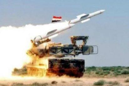 Momento del lanzamiento de los misiles israelíes que han derribado un caza sirio