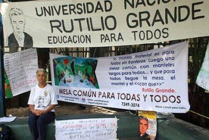 Española en huelga de hambre por la creación de una universidad en honor a Rutilio Grande