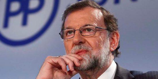 Soraya Sáenz de Santamaría confía en el impacto emocional de Mariano Rajoy para frenar in extremis a Pablo Casado