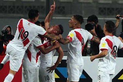 Estafan en Madrid a hinchas peruanos que compraron un tour para ver a su selección en Rusia