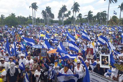 Miles de nicaragüenses salen en apoyo de la Iglesia, perseguida por el régimen de Ortega