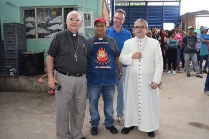 Obispos y sacerdotes en la 'Casa de Paso' de la frontera colombo-venezolana