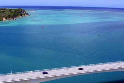 Descubre la historia y naturaleza de la isla de Okinawa en coche